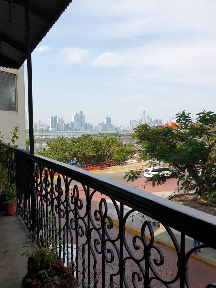 Aussicht aus dem Hostel auf die Skyline von Panama City